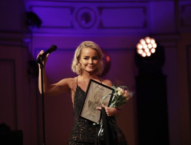 VANT PRIS: Sophie Elise Isachsen vant prisen for «Årets business» under fredagens Vixen Awards. Det gikk ikke upåaktet hen. Foto: NTB Scanpix