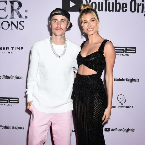 SNAKKER UT: Justin Bieber snakker ut om en svært mørk periode av livet sitt i sin nye dokumentarserie. Her med kona Hailey Bieber på premieren av serien. Foto: NTB scanpix