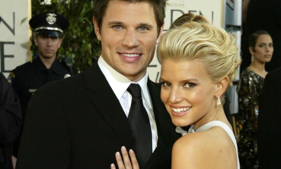 DYR DEAL: I 2005 søkte Jessica Simpson om å skille seg fra boyband-stjernen Nick Lachey. Problemet var bare at paret aldri hadde noe ektepakt, og at det var hun som satt med mest penger i forholdet. Her er de to på Golden Globe i 2004. Foto: NTB scanpix