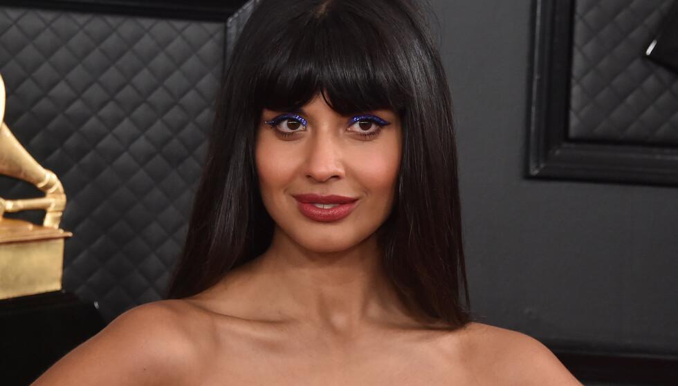 STÅR FRAM: Skuespiller Jameela Jamil avslører i et innlegg på Twitter at hun er skeiv. Foto: NTB Scanpix
