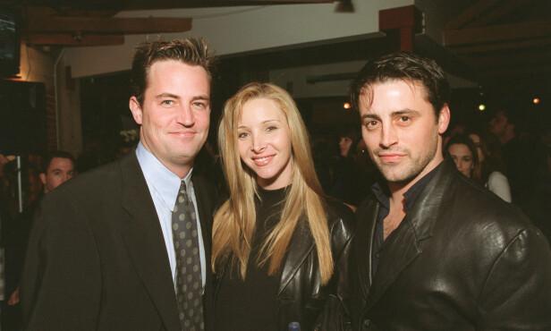 1998: Her er Matthew Perry sammen med Lisa Kudrow og Matt LeBlanc i 1998. Foto: NTB Scanpix