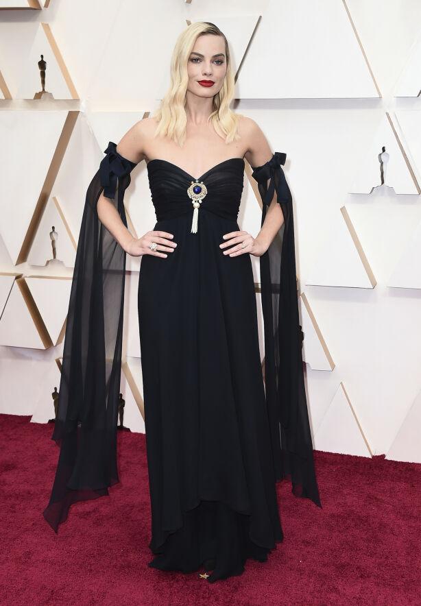 DETALJER: Margot Robbies flaggermusermer mottar variert kritikk. Foto: NTB scanpix