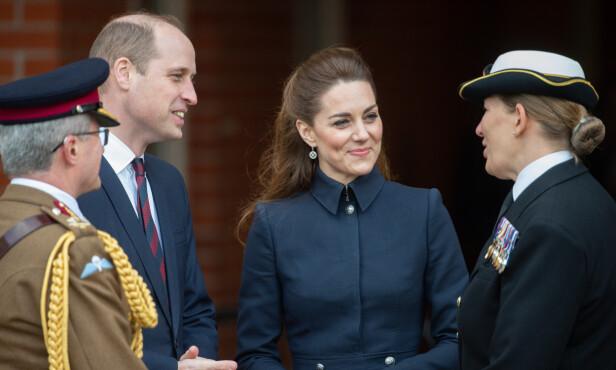 SJELDENT: Det er hele ni år siden William og Kate sist deltok på offisielt oppdrag sammen med Charles og Camilla. Foto: NTB scanpix
