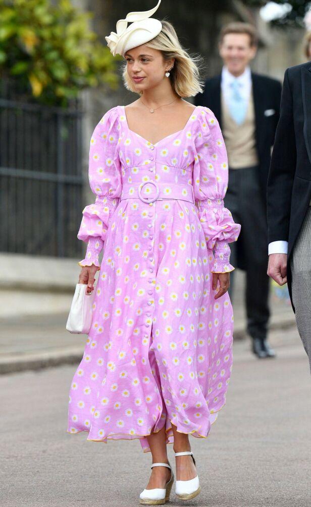 FASHIONISTA: Lady Amelia Windsor har pyntet seg for bryllupet til Gabriella Windsor og Thomas Kingston som var i fjor sommer. Foto: NTB Scanpix.