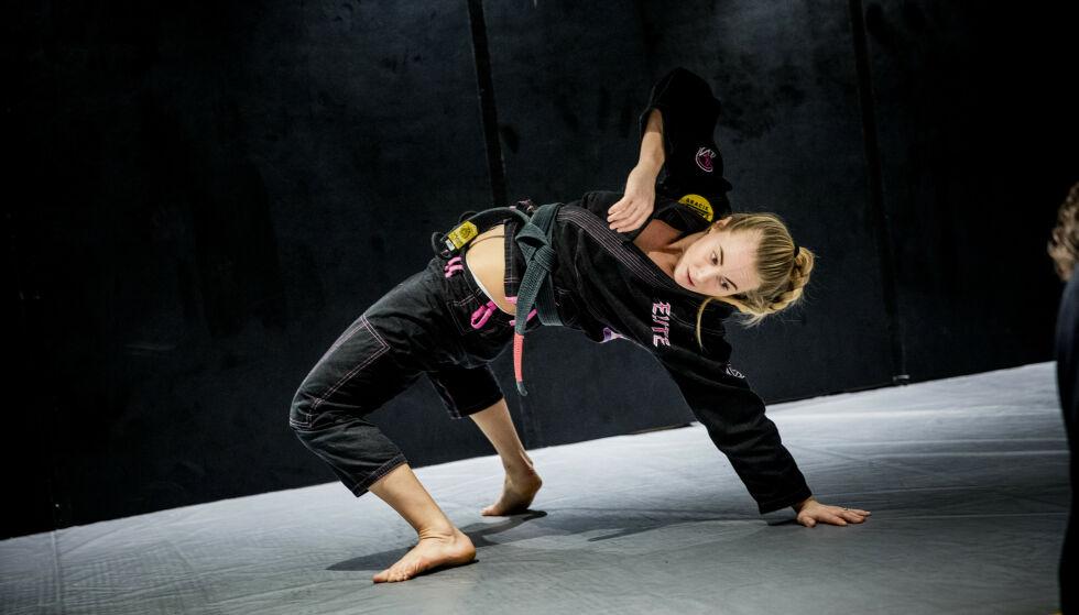 RØK UT: Den tidligere Jiu-jitsu utøveren Margaret Knutsson Aase har imponert under årets «Mesternes mester», men måtte takke for seg i semifinalen. Foto: Christian Roth Christensen