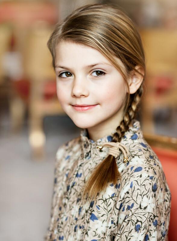 STRÅLER: Prinsesse Estelle fyller åtte år i dag. Foto: Linda Broström/Kungl. Hovstaterna