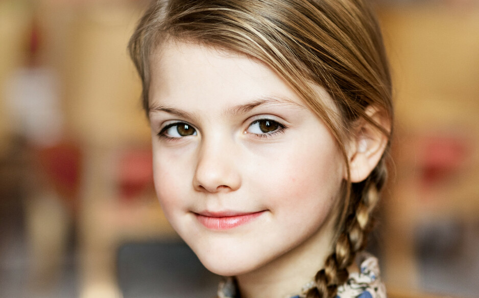 BURSDAGSBARN: I dag fyller den svenske prinsessen åtte år og i den anledning har det svenske kongehuset offentliggjort nye bilder av Estelle. Foto: Linda Broström/Kungl. Hovstaterna