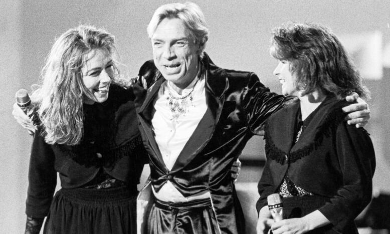 MGP: I 1990 deltok Jahn Teigen i Melodi Grand Prix med låten «Smil». Her med Anita Skorgan og Carola Häggkvist. Foto: Odd Steinar Tøllefsen / NTB Scanpix