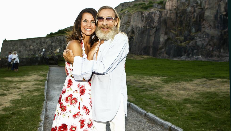 ALLSANG: I 2008 var Jahn Teigen til stede under «Allsang på grensen» med Katrine Moholt. Foto: Andreas Fadum/ Se og Hør
