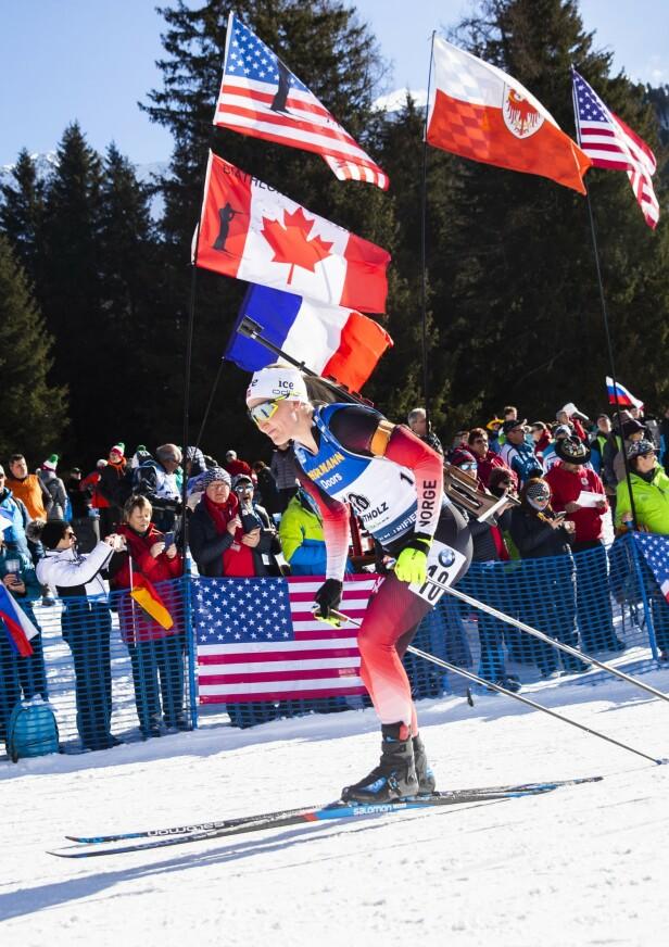 <strong>I AKSJON:</strong> Marte Olsbu Røiseland gikk inn til en 3. plass under normaldistanse 15 km for kvinner under VM i skiskyting 2020 i Anterselva. Foto: NTB scanpix