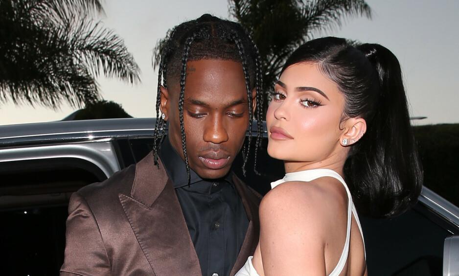 EKSKJÆRESTER: Travis Scott og Kylie Jenner skilte lag i fjor. Nå deler Jenner en serie bilder av seg og eksen på Instagram. Foto: NTB Scanpix
