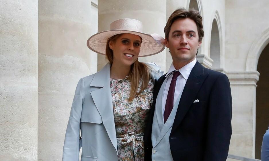 FORLOVET: 29. mai i år skal prinsesse Beatrice og forloveden Edoardo Mapelli Mozzi gifte seg. Det betyr at prinsessen også får en splitter ny, italiensk tittel. Foto: NTB Scanpix