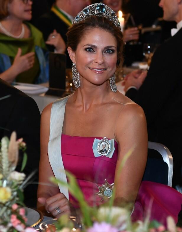 GLAD I SMYKKER: Prinsesse Madeleine er svært glad i smykker, og har en stor smykkesamling som ble betydelig mindre etter innbruddet i fjor. Foto: NTB Scanpix