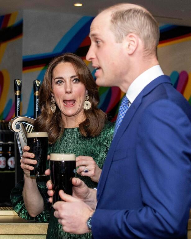 MORSOMME: Hertugparet av Cambridge mottar både kritikk og latter for vitsen. Foto: NTB scanpix