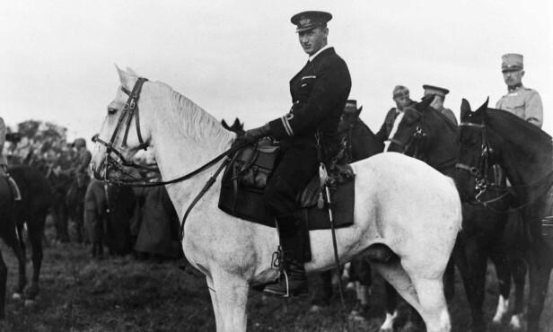 ARVEPRINS: Knud lå an til å bli konge før loven ble endret i 1953. Her er han avbildet i 1930. Foto: NTB Scanpix