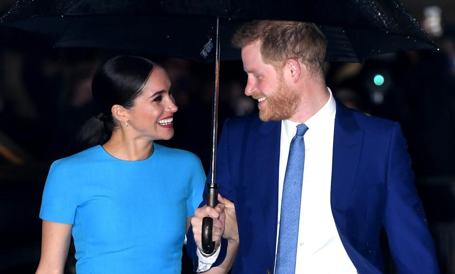 I London: Torsdag kveld var Meghan og Harry tilbake på jobb i London - og de så absolutt ut til å trives i hverandres selskap. Foto: NTB Scanpix