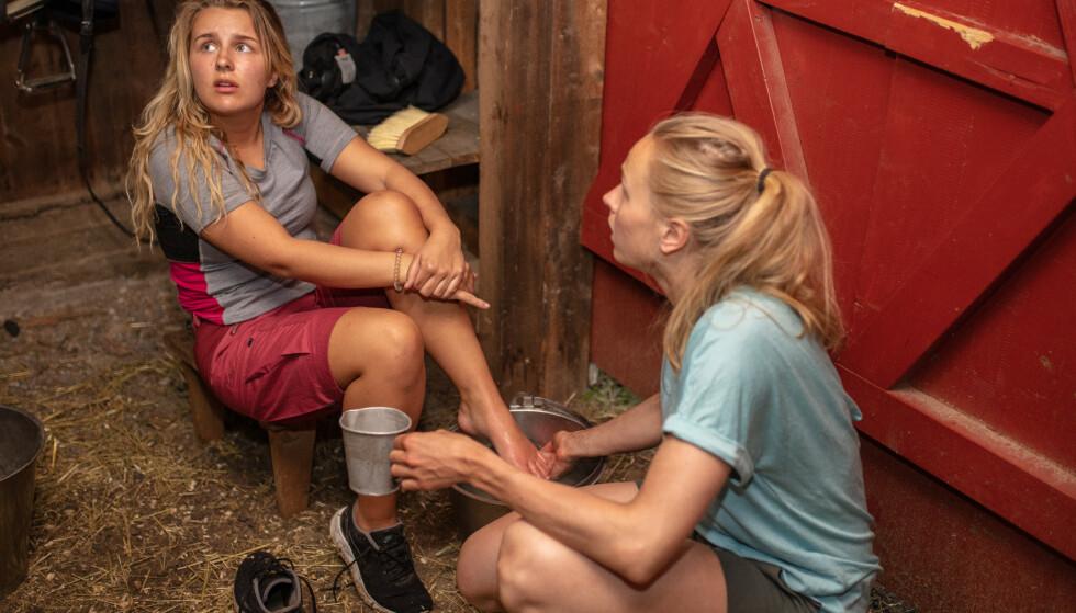 LEGEHJELP: Hanna-Martine Slåttland Baller måtte sendes ut av gården og få legehjelp. Foto: Alex Iversen / TV 2