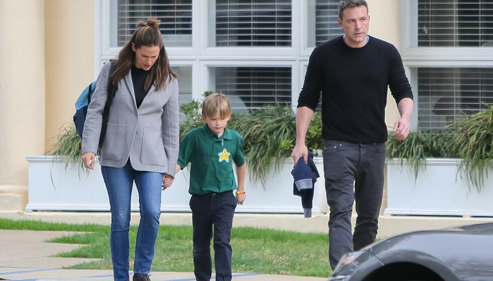 BURSDAG: Affleck og Garner ble observert sammen på sønnens 8-årsdag. Det tidligere ekteparet skal ha et godt samarbeid etter skilsmissen i 2018. Foto: NTB scanpix