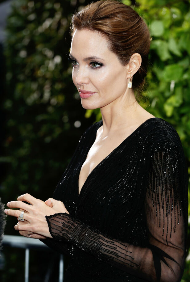 SKILT: Selv om Angelina Jolie er skilt, lever ringen videre. Foto: NTB scanpix