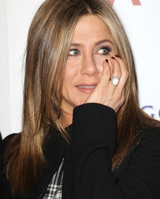 LYKKELIG SKILT: Jennifer Anistons forlovelsesring hadde en sluttsum de fleste misunner. I dag er hun lykkelig skilt og god venn med eksmannen. Foto: NTB scanpix