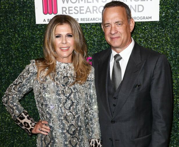 <strong>UTSKREVET:</strong> Rita Wilson og Tom Hanks kunne for snart to uker siden avsløre at de var blitt smittet av coronaviruset. Forrige uke ble de skrevet ut av sykehuset. Foto: NTB Scanpix