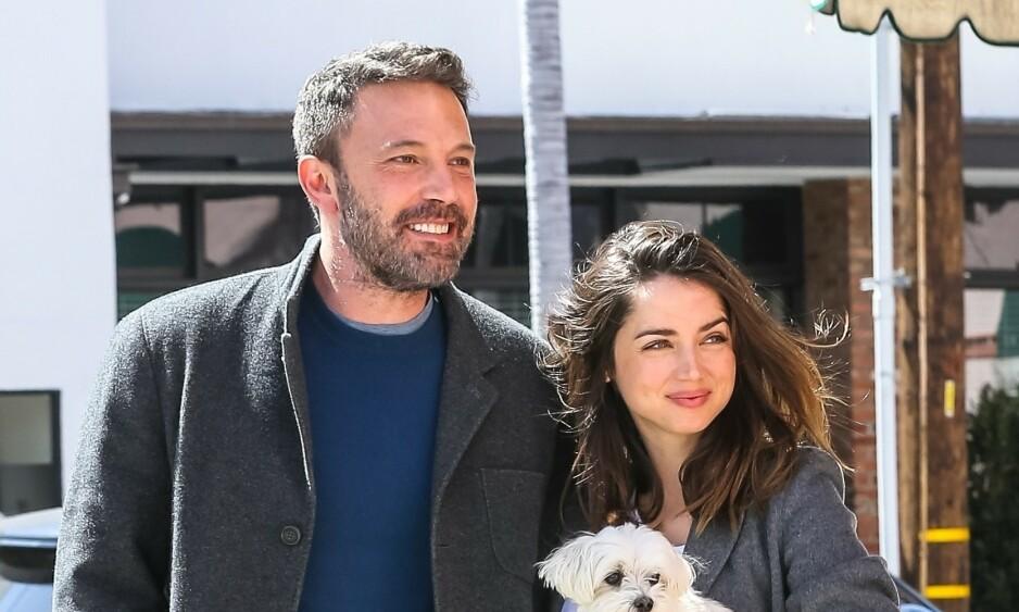 - NYTT PAR: Ben Affleck og Ana de Armas skal ha tatt med «ferieflørten» hjem og skal nå være et par. Foto: NTB Scanpix