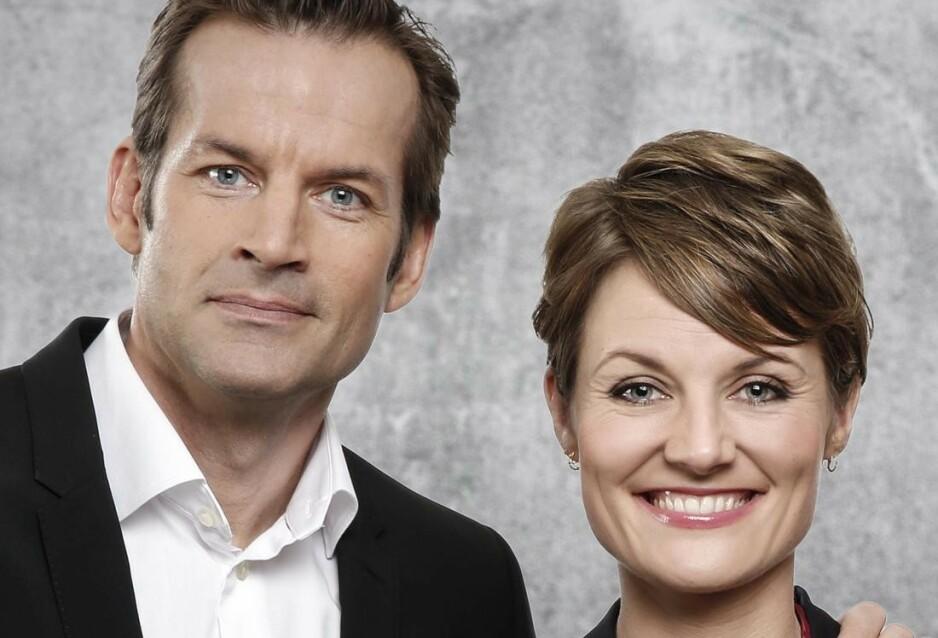 MÅ BLI HJEMME: Komiker Pernille Sørensen kan ikke delta som paneldeltaker i denne ukens «Nytt på nytt»  . Foto: NRK / Anne Liv Ekroll