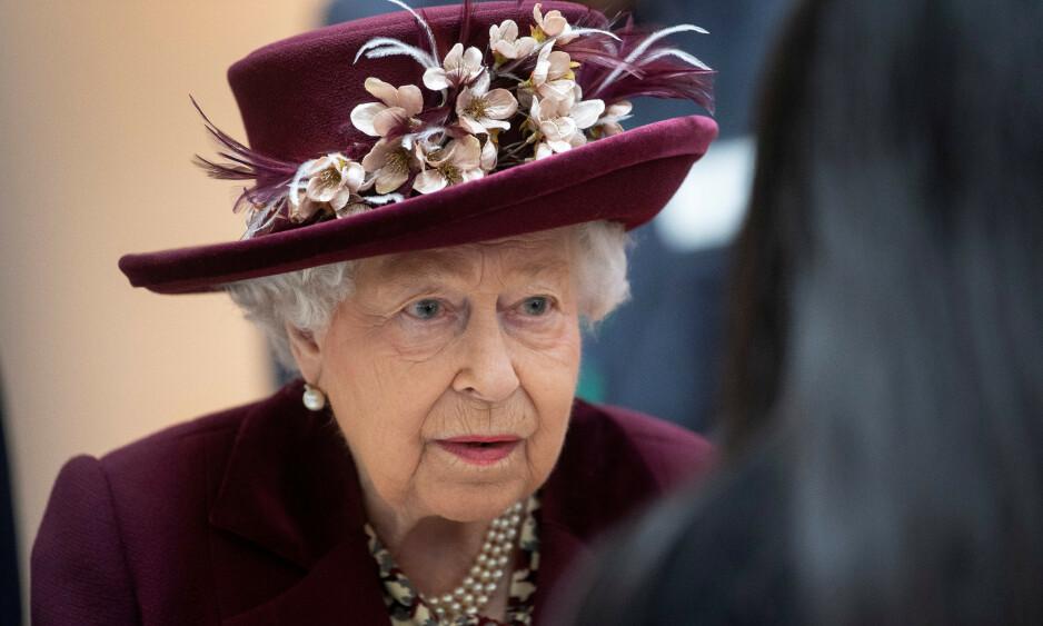 TIL WINDSOR: Dronning Elizabeth reiser til Windsor Castle framfor å bli på Buckingham Palace. Foto: NTB Scanpix