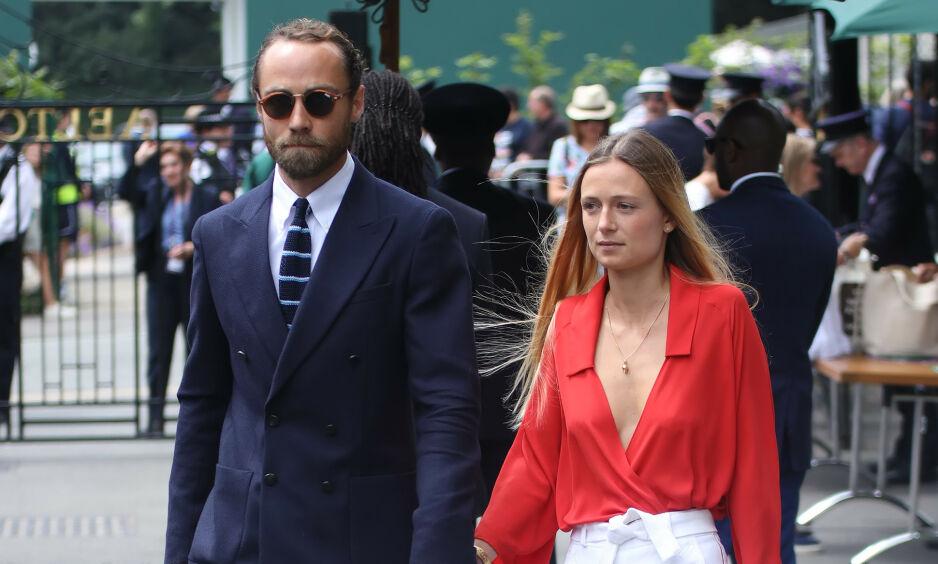 PREGES: James Middleton skulle i utgangspunktet ha giftet seg med sin Alizee Thevenet i år. Nå henger hele bryllupet i en tynn tråd. Foto: NTB Scanpix