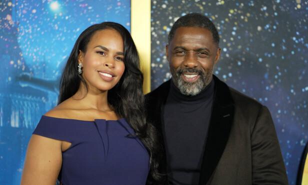 <strong>SMITTET:</strong> Bare noen dager etter at skuespiller Idris Elba fikk påvist coronaviruset står kona Sabrina Dhowre Elba frem og forteller at også hun har testet positivt. Foto: NTB Scanpix