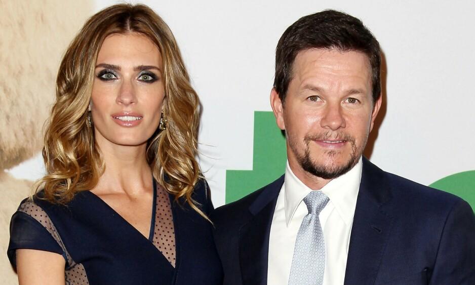FAMILIEMANN: Mark Wahlberg har vært sammen med kona i nesten 20 år. Her er de på filmpremiere i Hollywood i 2015. Foto: NTB Scanpix