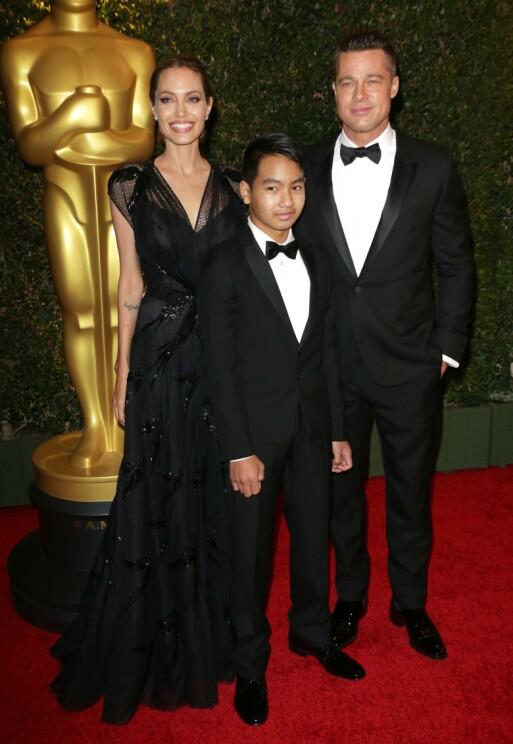 SKILT: Her er Angelina og Brad sammen med Maddox under Oscar-utdelingen i 2013. Foto: NTB Scanpix