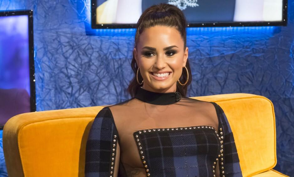 TABBE?: De siste ukene har det florert romanserykter om Demi Lovato og skuespiller Max Ehrich. Etter sistnevntes livesending på Instagram i helgen ser det ut til at ryktene har noe sant i seg. Foto: NTB Scanpix