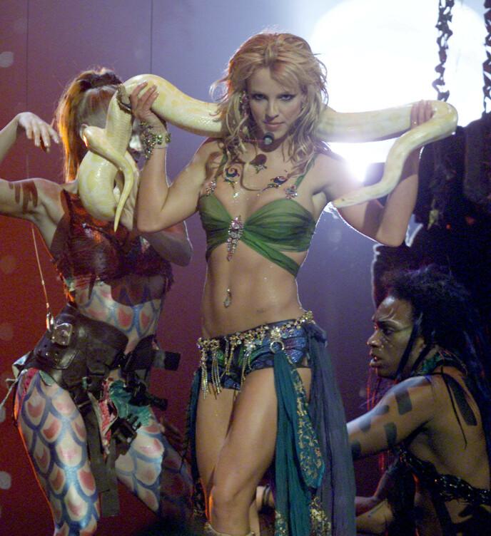POPSTJERNE: Mye har skjedd i livet til Britney Spears siden hun var på høyden av karrieren. Her under MTV Video Music Awards i 2001. Foto: Gary Hershorn/ Reuters/ NTB