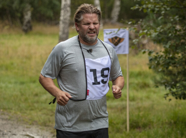 VILLE BLI FERDIG: Håvard Lilleheie er den eneste av de mannlige deltakerne som har vært i førstegangstjenesten. Foto: Matti Bernitz/ TV 2