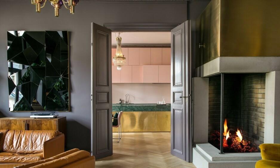 KJENT: Flere vil trolig kjenne seg igjen i denne leiligheten, etter at de fikk et unikt innblikk i den i NRK-serien «Exit» i fjor. Nå er den til salgs. Foto: Anders Valde