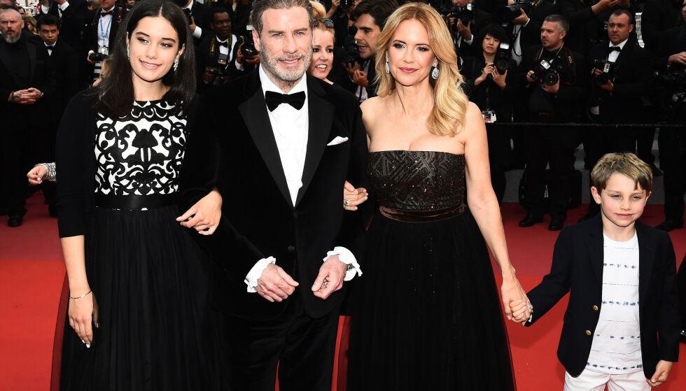FAMILIELYKKE: Året etter at Jett gikk bort, kom Benjamin til verden. Her er hele familien avbildet i Cannes i 2018. Foto: NTB Scanpix
