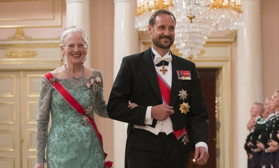 JUBILANT: I anledning dronning Margrethes 80-årsdag, sendte de europeiske kongehusene sine gratulasjoner digitalt. I videohilsenen er det flere som har bitt seg merke i jubilantens kallenavn, der blant andre kronprins Haakon kaller henne for «tante Daisy». Foto: NTB Scanpix