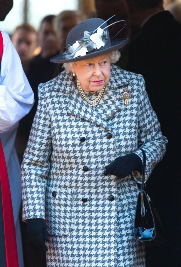 STILIG: Dronning Elizabeth skifter angivelig antrekk opptil fem ganger daglig. Foto: NTB Scanpix