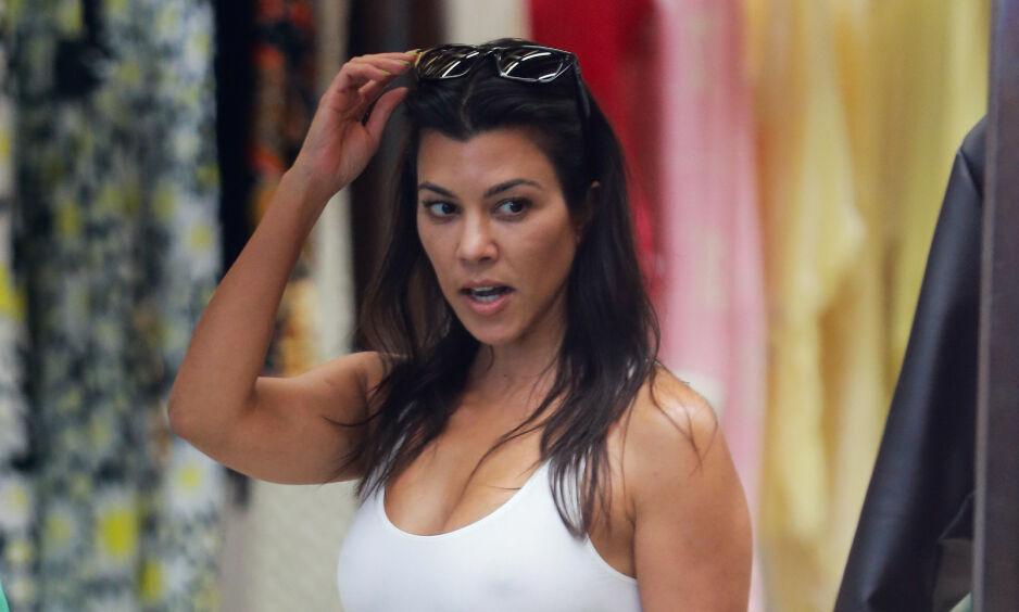 UVANLIG FEIRING: Kourtney Kardashian fylte 41 år i helga. Grunnet coronapandemien ble hun feiret og hyllet på en noe uvanlig måte. Foto: NTB Scanpix
