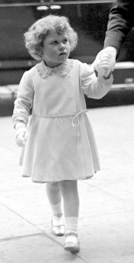 BLE DRONNING: At denne lille jenta, fotografert i 1930, skulle bli dronning, hadde man ikke ventet. Det var derimot slik det ble, og mange synes i dag at hun har gjort en formidabel jobb på tronen. Foto: NTB scanpix