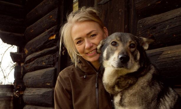 ELSKER JAKT: Anette Dahls store lidenskap er jakt. Nå håper hun å fylle dagene med romantikk også. Foto: Espen Glomsvoll / TV 2