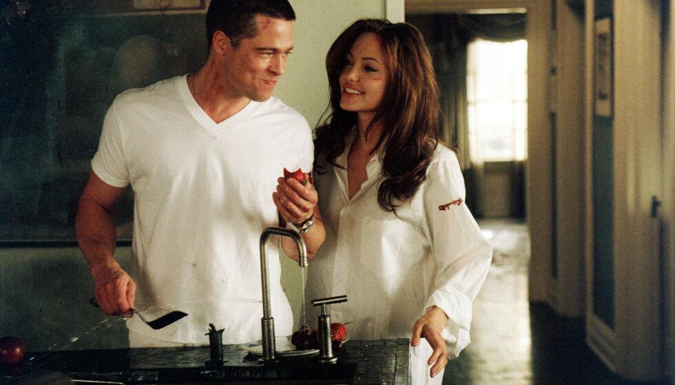 BERØMTE EKSER: Brad Pitt og Angelina Jolie fant tonen også utenfor «Mr & Mrs. Smith»-settet, men lykken skulle ikke vare. Her i en scene fra filmen fra 2005. Foto: 20th Century Fox /Kobal/ REX/ NTB scanpix