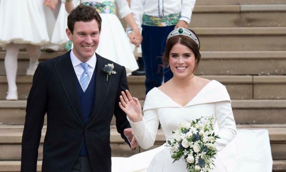 TI ÅR: Prinsesse Eugenie og ektemannen Jack Brooksbank feirer ti år som par. Her fra bryllupsdagen deres i oktober 2018. Foto: NTB Scanpix
