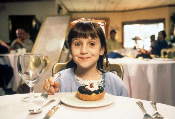 1996: Her er Mara Wilson avbildet i filmen «Matilda». Foto: NTB Scanpix