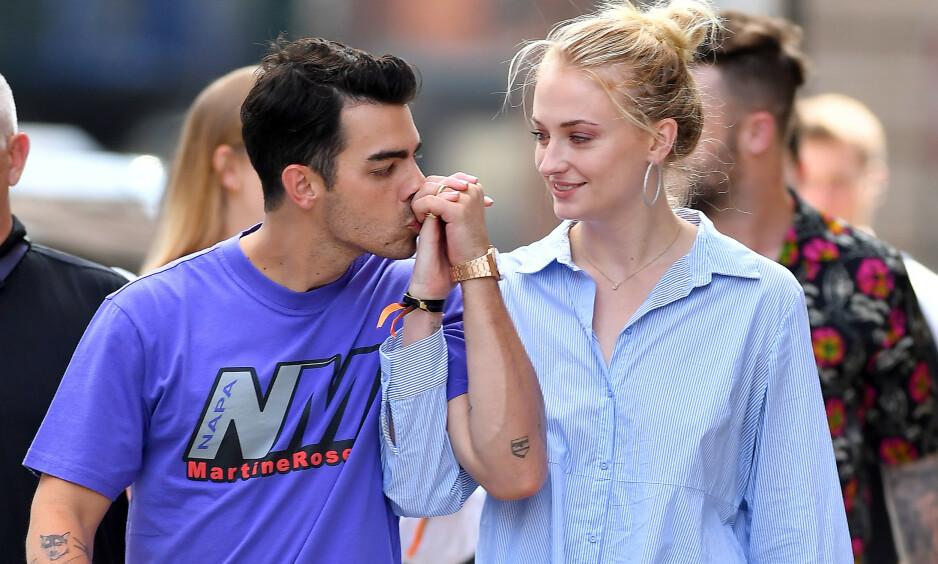 GIFT: Joe Jonas og Sophie Turner overrasket alle da de plutselig giftet seg i Las Vegas i fjor. Nå avslører hun date-kravet hun stilte til Joe. Foto: NTB scanpix
