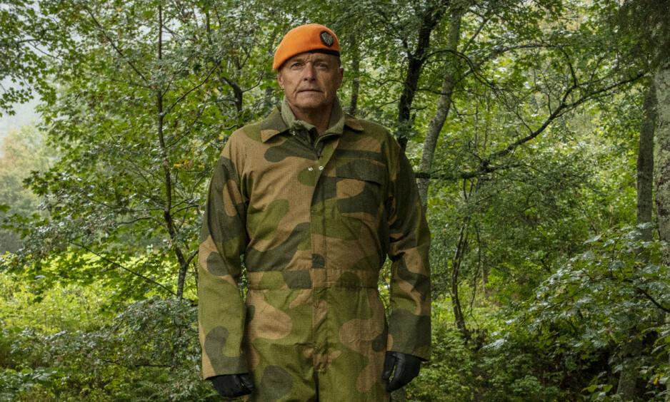 SLET MED FØLELSENE: «Oberst» Dag Otto Lauritzen syntes det var tungt å se deltakerne gå i kjelleren. Foto: Matti Bernitz / TV 2