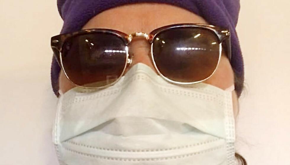 TOK INGEN SJANSE: Christine hadde på munnbind da hun tok blodprøve på sykehuset 1. påskedag. Tre ganger har hun testet seg for koronaviruset