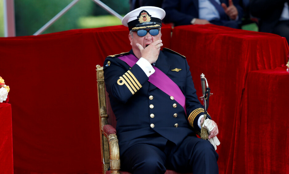 SKANDALEPRINS: Prins Laurent av Belgia har med åra fått litt av et rykte på seg. Nå er familien hans rammet av corona. Her er han fotografert gjespende på en offisiell tilstelling for noen år siden. Foto: NTB scanpix