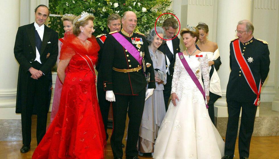 SKANDALEPRINS: Prins Laurent av Belgia har stadig fått negativ omtale. Her er han sammen med blant andre kong Harald og dronning Sonja under deres besøk i Belgia i 2003. Foto: NTB scanpix